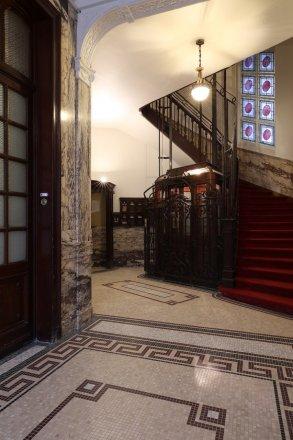 Hall-immeuble-Lepoutre